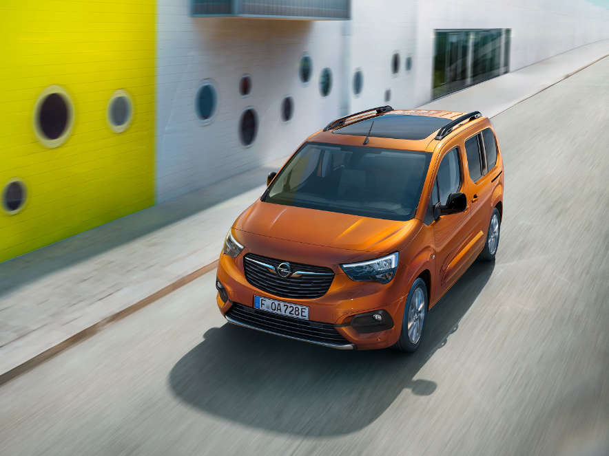 Opel Combo-e Life, панорамний дах