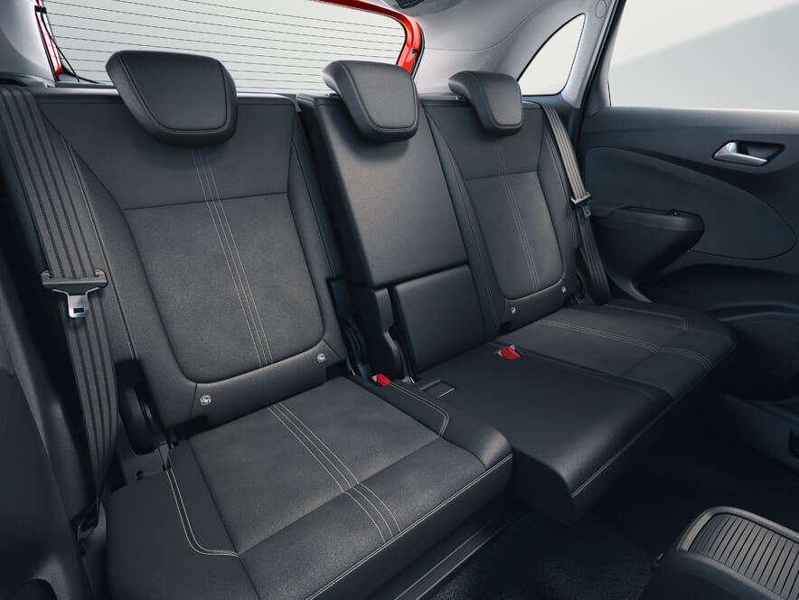 Opel Crossland, відсувні задні сидіння